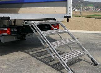 Aufstieg bei Aufstieg bei Flügeltüren (Tritt klappbar/4-stufige Treppe aus Aluminium)