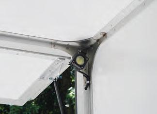 Innenbeleuchtungsscheinwerfer LED über Hebebühne oder Kabienenschlter bedienbar